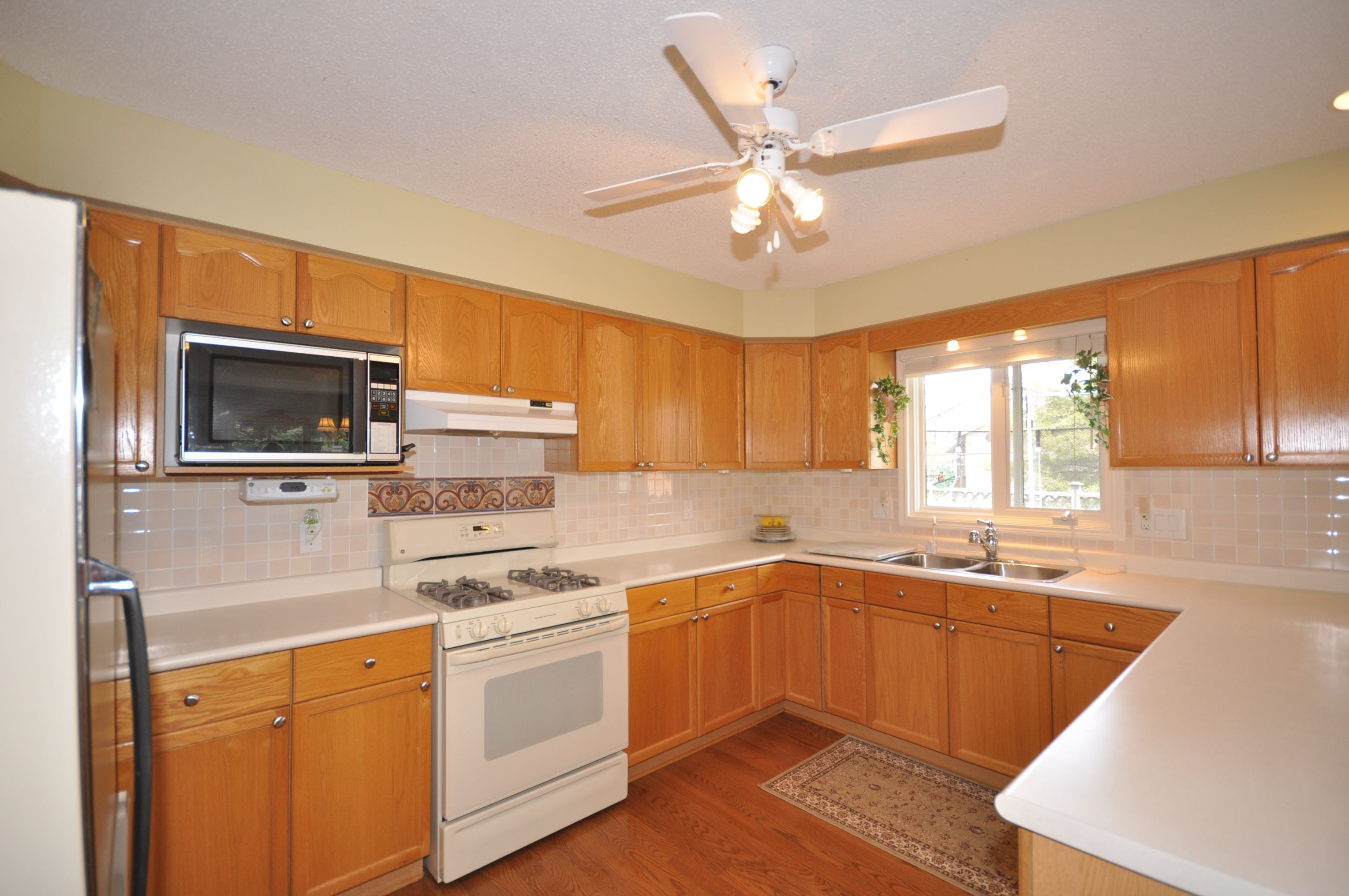 Spacious updated kitchen