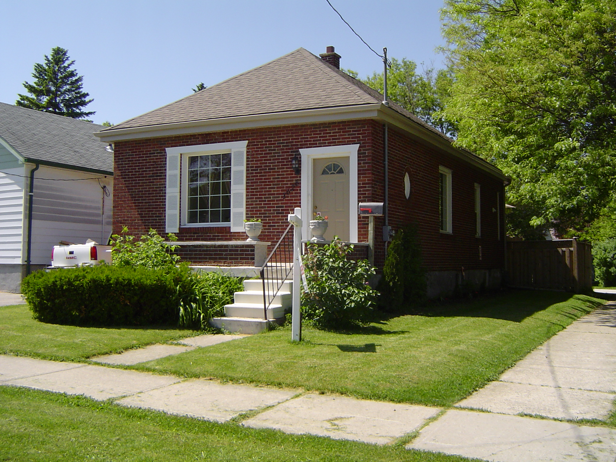Renovated all brick Bungalow located 1 block to Kiwanis Park