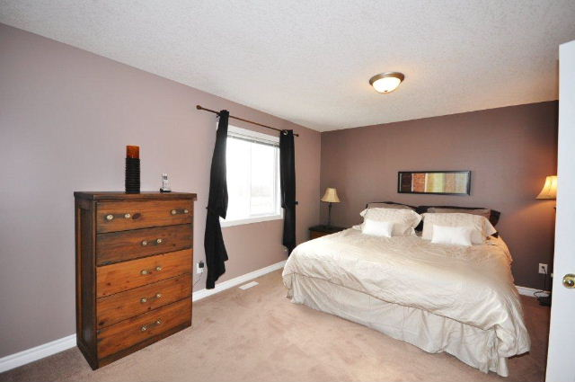 Master Bedroom has Ensuite & Walk in Closet
