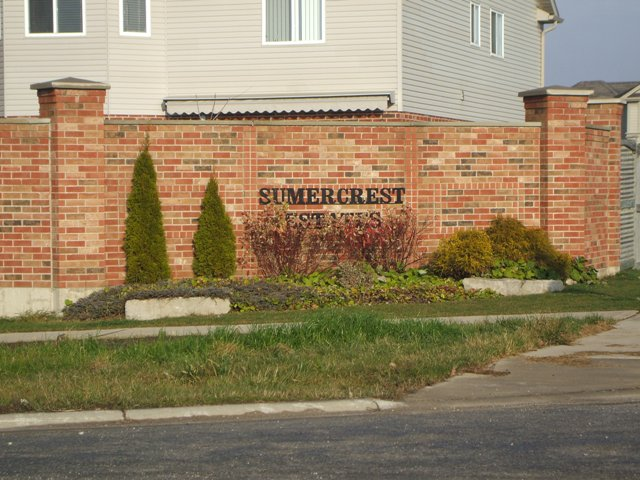 Located in Popular Summercrest Estates