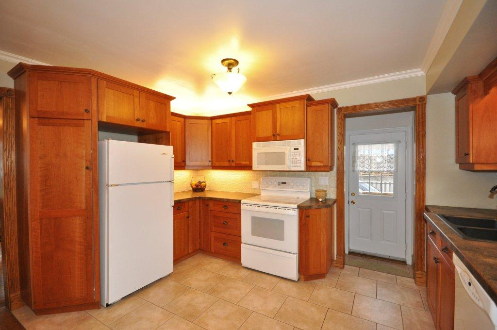 Cherry Cabinetry in the Kitchen (2006)