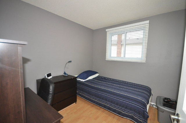 All 3 bedrooms have laminate flooring!