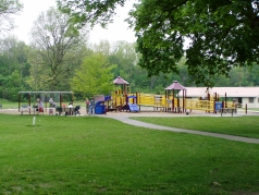 Thames Park & Playground in old South